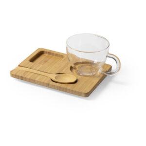 chávena de vidro com colher e tabuleiro de bambu