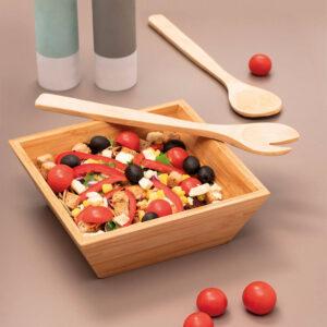 saladeira e talheres de bambu