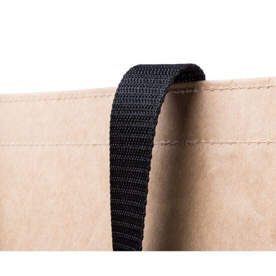 pormenor de saco de compras em papel e non woven