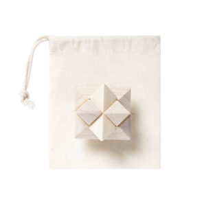 jogo de habilidade de madeira em formato de estrela